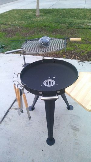 Charcoal BBQ Grill Santa Maria BBQ Grill for Sale in Inglewood, CA