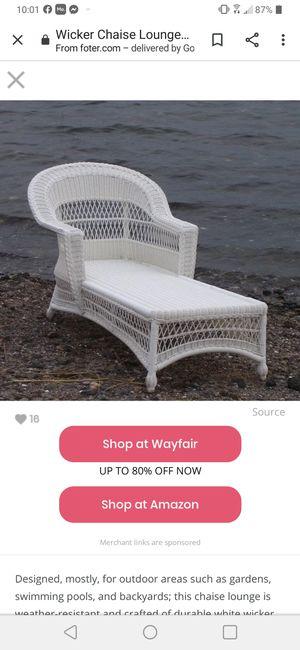 White Wicker Chaise Lounger for Sale in Clio, MI