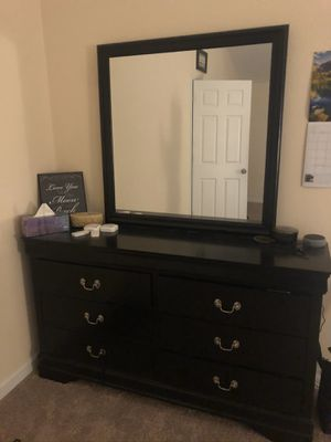6 drawer mirrored dresser for Sale in Newman, CA