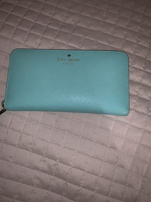 Kate Spade wallet for Sale in Lewis Center, OH
