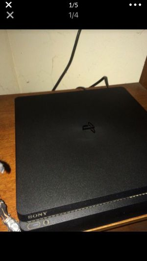 PS4 500gb 2 games and controller all hookups for Sale in Miami, FL