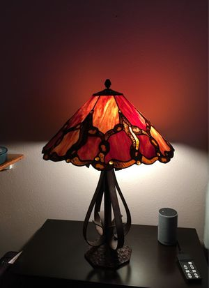 Stained glass table lamp for Sale in San Antonio, TX