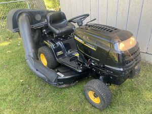 Riding Lawn Mower with Auto Trans and Bagger system for Sale in Lombard, IL