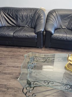 2 Black Leather SOFA for Sale in Los Angeles,  CA