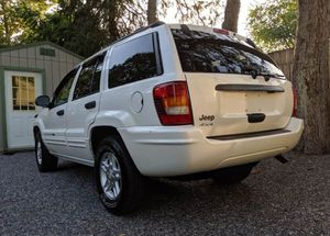Like New Cherokee 4WD suv Very Clean for Sale in Seattle, WA