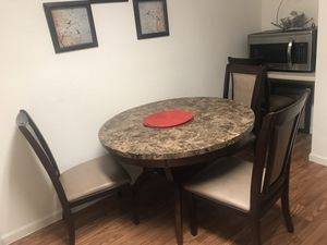 Dining table for Sale in Pinellas Park, FL