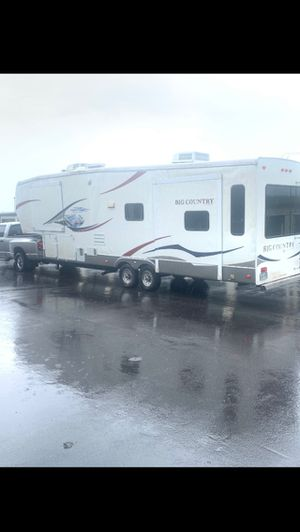 2010 hartland Big country 5th wheel for Sale in Kissimmee, FL