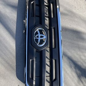 TACOMA 2017 GRILL for Sale in Westminster, CA