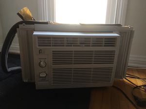White window air conditioner for Sale in Los Angeles, CA