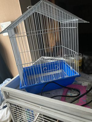 Two bird cages in good condition for Sale in Delaware, OH