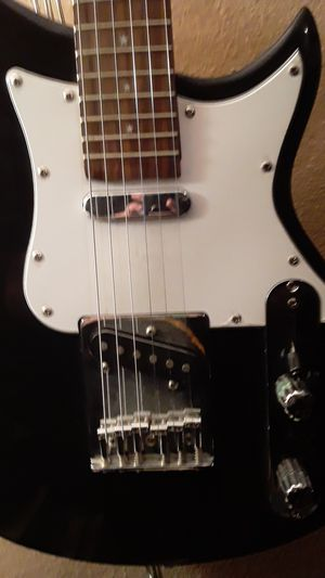 Electric guitar for Sale in Federal Heights, CO