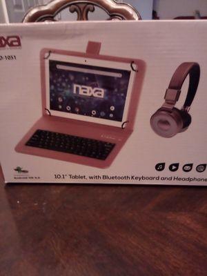 """Naxa, bluetooth keyboard and headphone.,10.1"""" for Sale in Frederick, MD"""