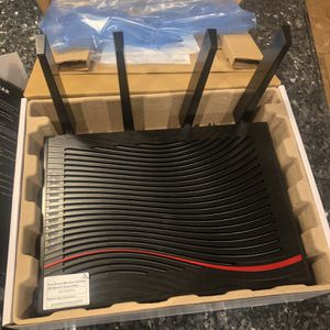 Nighthawk X4S AC3200 WiFi Cable Modem Router for Sale in Belmont, NC