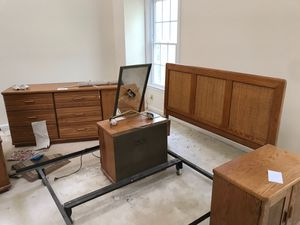 Queen Bedroom set ( selling only today after 8pm for Sale in Ashburn, VA