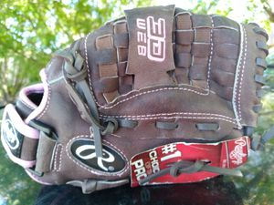 "YOUTHS 11"" RAWLINGS SOFTBALL GLOVE for Sale in San Antonio, TX"