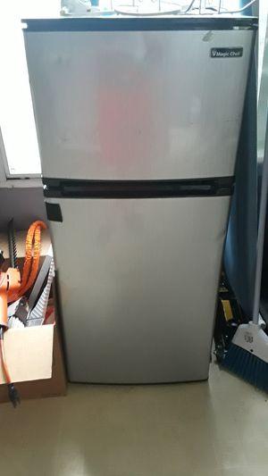 Mini fridge (read description) for Sale in Saint Charles, MO