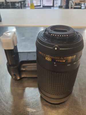 Nikon Lens and Battery for Sale in Round Rock, TX