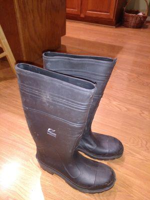 Men's size 7 rain boots for Sale in Cincinnati, OH