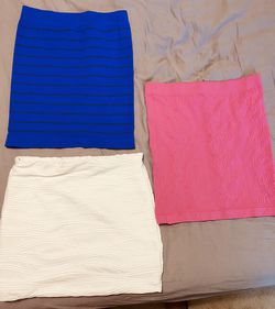 """3 skirts size """"M"""" for Sale in Wichita,  KS"""