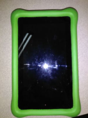"""Kindle Fire Kids Edition 7"""" 16GB w/ Green Case for Sale in Fresno, CA"""