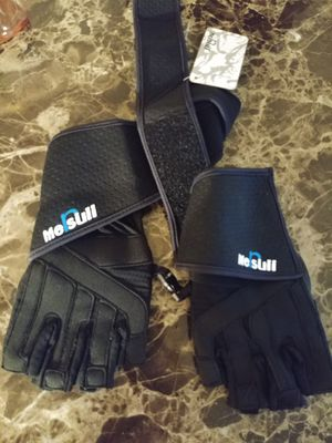 Workout gloves (new) for Sale in North Tonawanda, NY