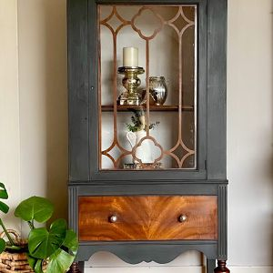 China Cabinet Or Hutch for Sale in Snohomish, WA