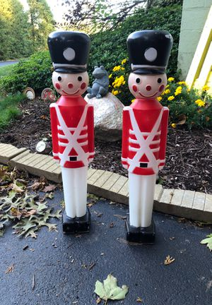 2 soldiers for outside decor for Sale in Cheshire, CT