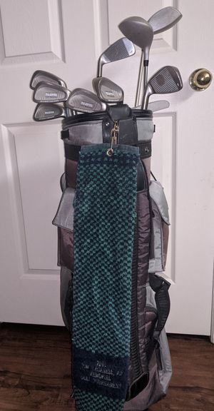 Daiwa golf bag with Knight golf clubs for Sale in Denver, CO