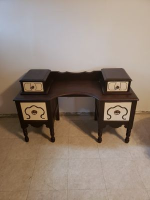 Beautiful kids desk,great Christmas gift, solid wood for Sale in Anaheim, CA