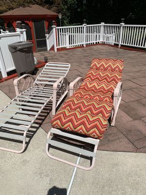Pool side lounge chairs for Sale in Camp Springs, MD