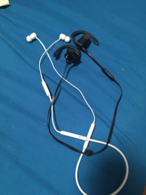 2 Pair of Dr Dre Wireless Earbuds Headphones for Sale in Boston, MA