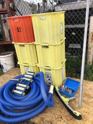 """(Pool equipment) """"vacuum pool, chemical testing, brush and pole for Sale in Palo Alto, CA"""