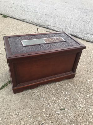 Wooden box for Sale in Quincy, IL