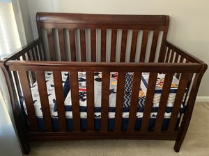 Convertible Baby Crib for Sale in Woodbridge, VA