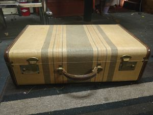 Vintage tweed striped suitcase for Sale in Tacoma, WA