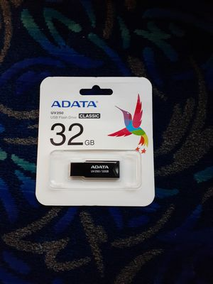 USB 32GB for Sale in Covina, CA