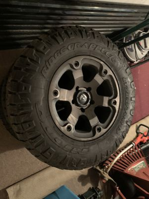 "Fuel rims 17"" and tires 285 70 R17 grapplers for Sale in Glastonbury, CT"