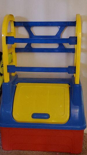 Little tykes storage bin for Sale in Boynton Beach, FL