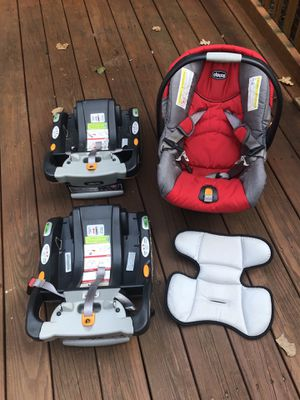 Chicco KeyFit 30 Car Seat, 2 bases, and infant cushion insert for Sale in Richmond, VA