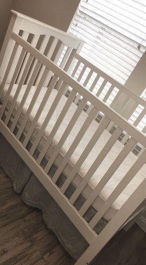 White baby crib for Sale in Houston, TX