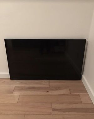 Samsung 50 inch TV with remote and stand for Sale in Los Angeles, CA