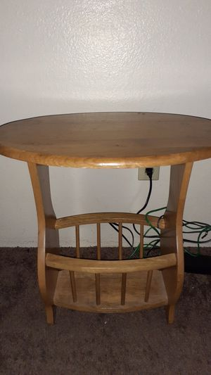Beautiful small antique table for Sale in Highland, CA