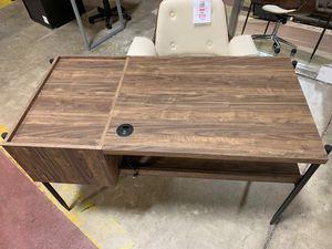 Brand new assembled desk for Sale in Melbourne, FL