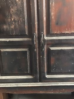 Armoire Antique for Sale in Tustin,  CA