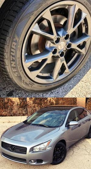 $1200 Nissan Maxima for Sale in Fayetteville, NC