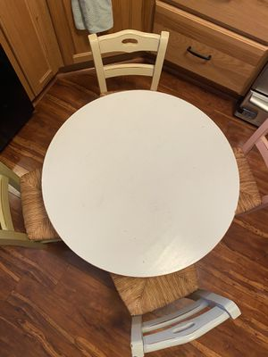 Pottery barn kids table & 4 chairs. for Sale in Buffalo, NY