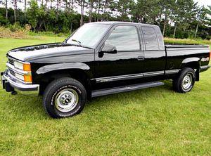 FullyPrice$6OO Chevrolt Silverado 1996 Pick-up LowMiles for Sale in Wichita, KS