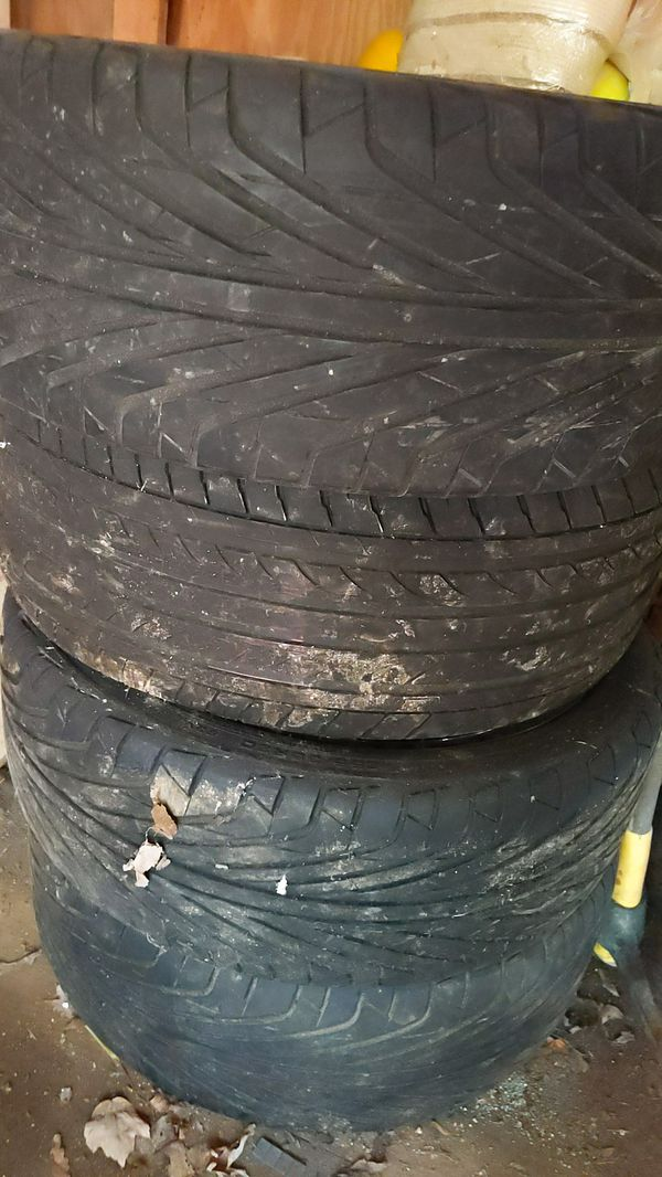 20-in rims had them on a 2015 Chevy Camaro I have all four center caps screws extra parts you can paint whatever color you want
