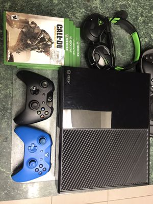 Xbox One Bundle for Sale in Wesley Chapel, FL