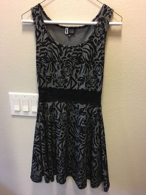 M dress (fits tighter) for Sale in Houston, TX